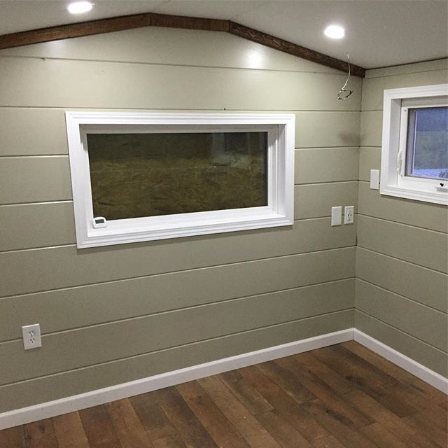 How would you use this space? (Bonus room over the #TaHOW's gooseneck) #office ? #hometheater ? #walkincloset ? #guestbedroom ? #mancave ? #library or #study ? #massageroom ? #gameroom ? ... . . #gotinybefree #tinyhousemovement #gooseneck #goosenecktinyhouse #thow #tinyhouseonwheels #tinyhousebuild #tinyhouse