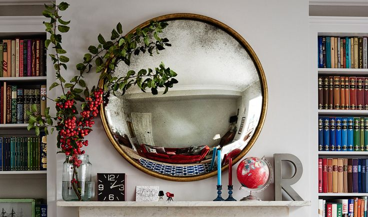 Oh how I love love LOVE these convex mirrors. Handmade in London, they're just achingly pretty, and by happy coincidence they create an illusion of space and light even more so than a normal 'flat' mirror. *want*   Reid & Wright Mirrors London