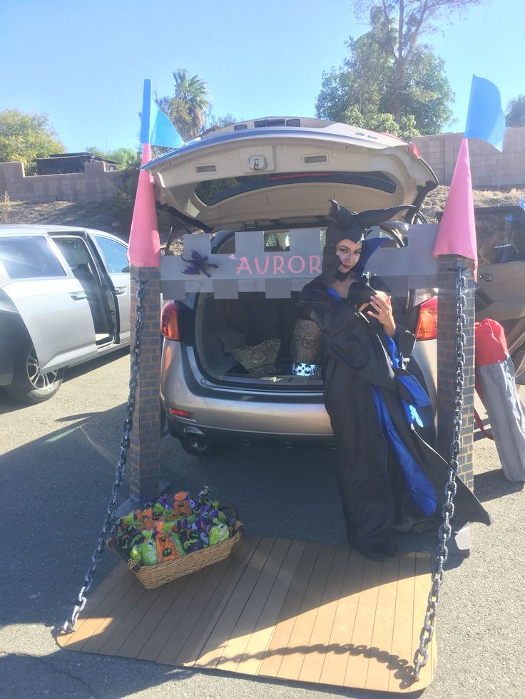 Trunk or Treat Idea Jail with Real Cop Halloween Pinterest - halloween trunk or treat ideas