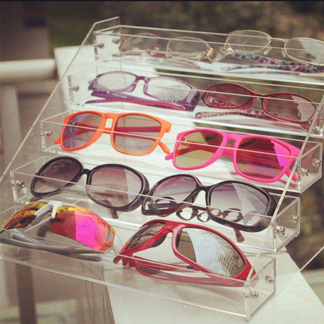 Plexiglass sunglass display stand