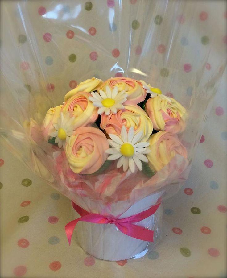Pink and cream swirl roses and daisies cupcake bouquet by www.facebook.com/cakeinspirations