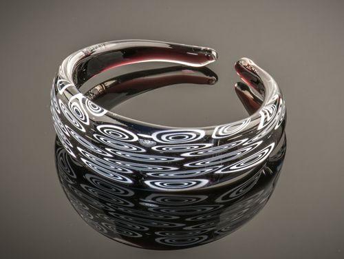 Armband van Venetiaans glas gemaakt op Murano.