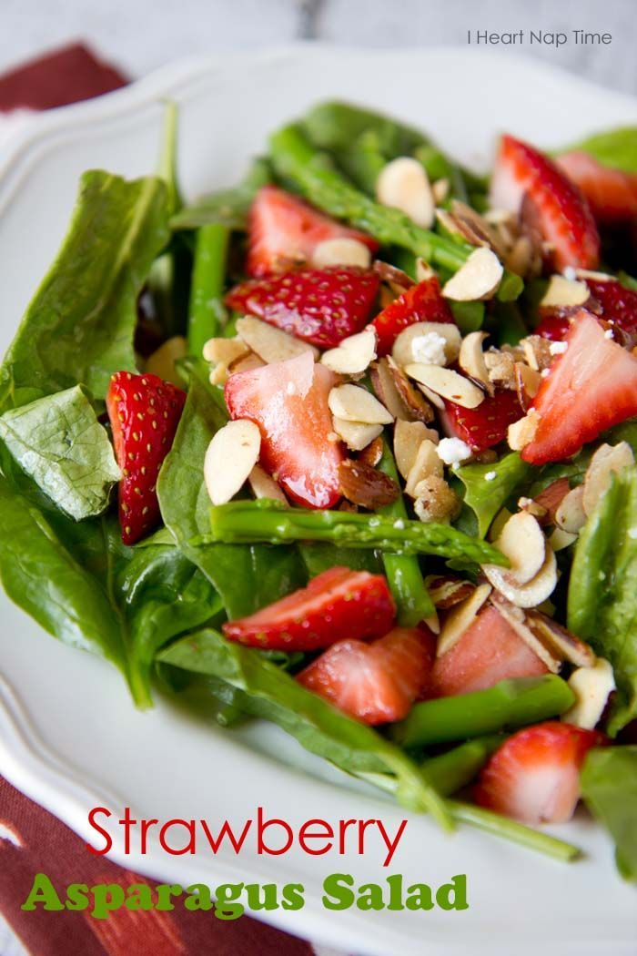 Strawberry asparagus salad with sugared almonds on iheartnaptime.net . A healthy and delicious meal! @Jalyn {iheartnaptime.net}