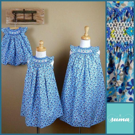 Floral azul mano smocked vestidos de sitsers de adaptación, Smocked vestidos, vestidos de ocasión especial