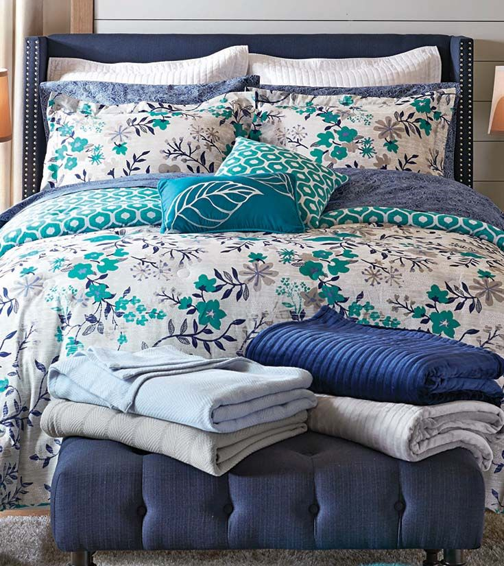 131 Best Images About Beautiful Bedrooms On Pinterest Quilt Sets Quilt And Damasks