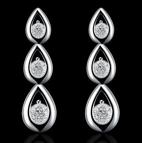 https://www.goedkopesieraden.net/925-Sterling-oorstekers-met-hanger-en-3-zirkonia-stenen