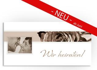 Diese Hochzeitseinladung bietet ausreichend Platz für ein Bild, einen Einladungstext und Details zur Hochzeitsfeier.    Zu dieser Karte liefern wir Ihnen kostenlos weiße Umschläge im Format DIN-Lang (im Preis enthalten).  Alternativ können Sie auch farbige Umschläge zu dieser Karte bestellen.