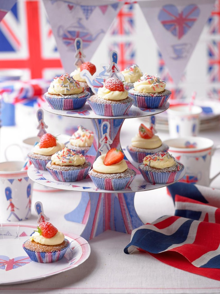 victoria sponge cupcakes #jubilee #cupcakes  Pinned from PinTo for iPad 