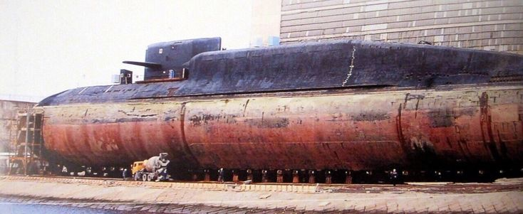 """КамАЗ и """"Екатеринбург"""": К–84 «Екатеринбу́рг» (заводской номер — 380) — атомный ракетный подводный крейсер стратегического назначения проекта 667БДРМ «Дельфин» (Delta–IV в терминологии НАТО)"""