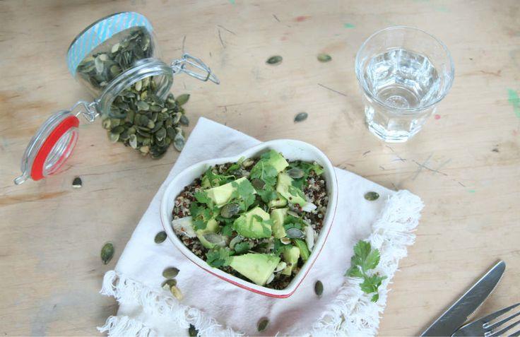 quinoa met makreel en avocado