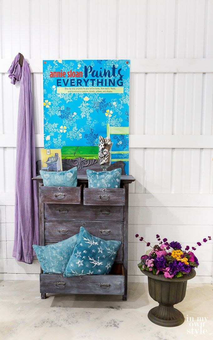 Distressed furniture with Chalk Paint® by Annie Sloan | Book: Annie Sloan Paints Everything | Feature by In My Own Style