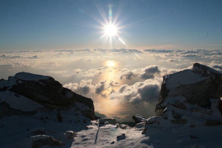 Από την κορυφή του Αγίου Όρους...Mount Athos top..