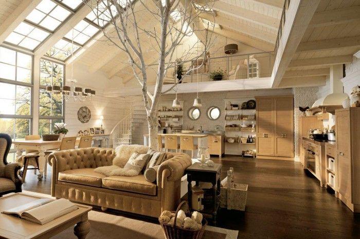 Lichte rustieke woonkamer met vide