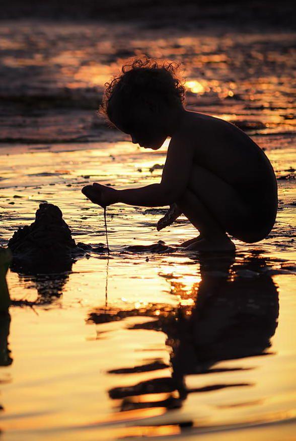 Y dejar caer la arena entre los dedos....