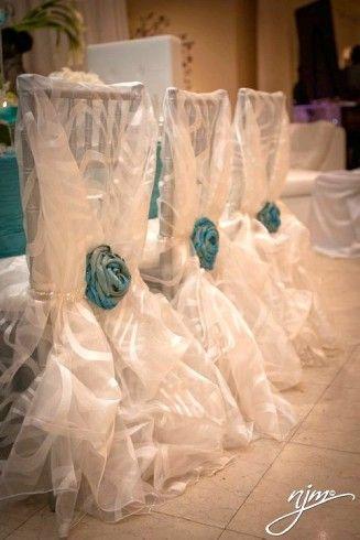 Originalisimas sillas para tu boda.