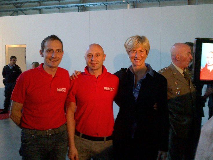 I nostri tecnici con il Ministro della Difesa Roberta Pinotti