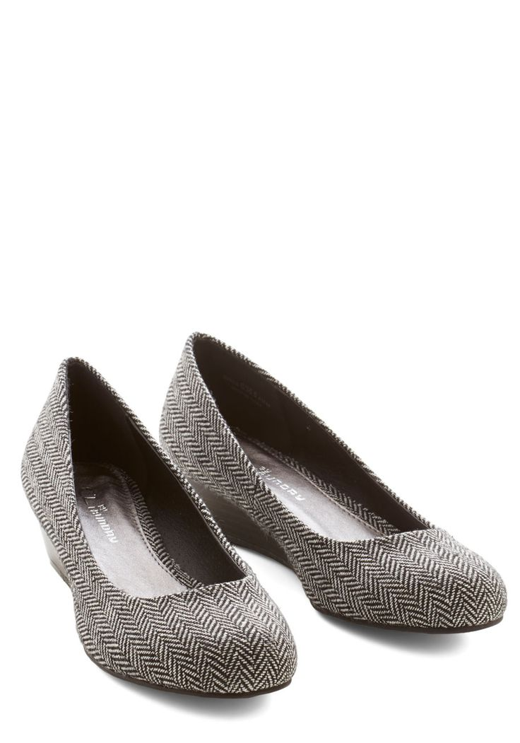Commuter Genius Wedge in Herringbone. An any-occasion, mid-height wedge thats comfortable and sophisticated?  #modcloth