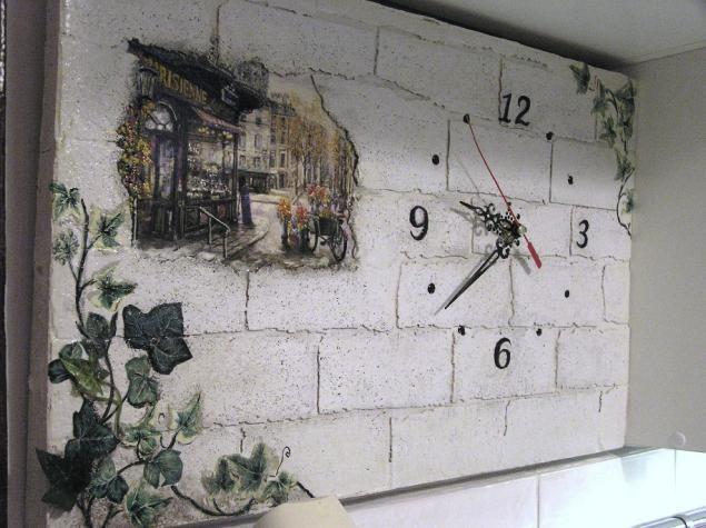 Декупаж за стенами