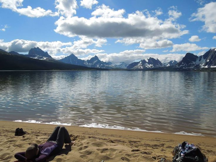 Amethyst Lake beachtime, Tonquin Valley, July 2014