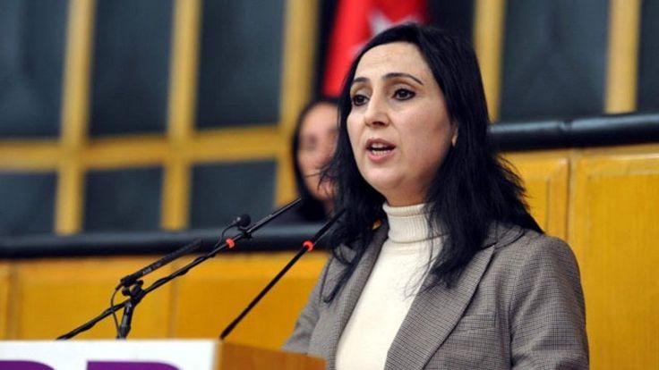 HDP Eş Başkanı Figen Yüksekdağ'ın hakkındaki yargı kararının kesinleşmesi üzerine TBMM bilgisine sunuldu ve milletvekilliği düşürüldü. TBMM Genel Kurulu'nda HDP Eş Genel Başkanı Figen Yüksekdağ'ın milletvekilliğinin düştüğü açıklandı. Kararın Genel Kurul Salonu'…
