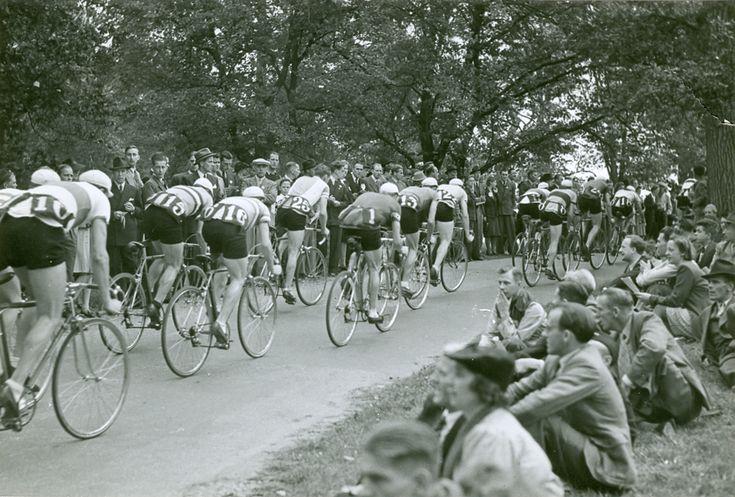 Djurgårdsloppet på cykel under Barnens dag 1942