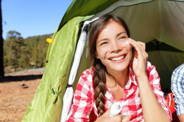 Camping Beauty Essentials | 9 Ways to Look Good While Camping, check it out at http://makeuptutorials.com/camping-tips-makeup-tutorials/