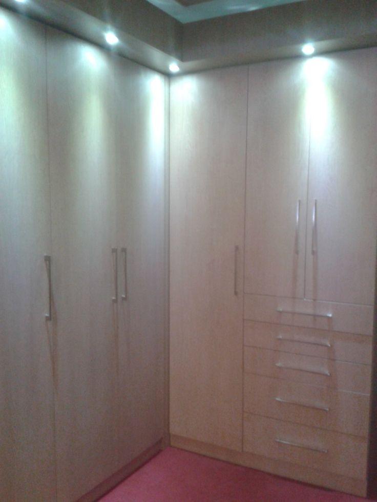 Closet en l construido en melamina madera de - Armarios en l ...