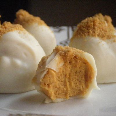 Pumpkin Cream Cheese Truffles. Perfect for any Halloween or Thanksgiving gathering.