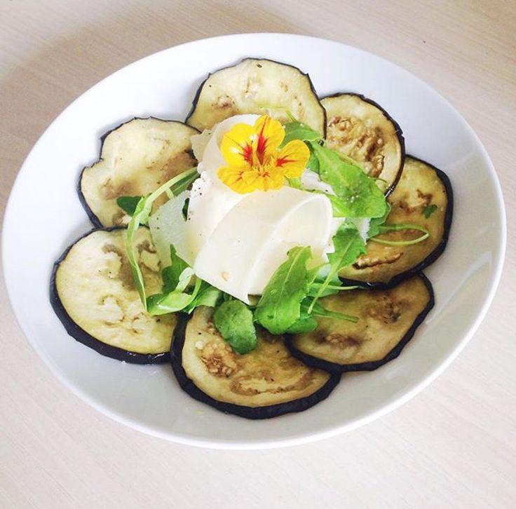 Une recette de carpaccio d'aubergines qui sent bon le sud de l'Italie...