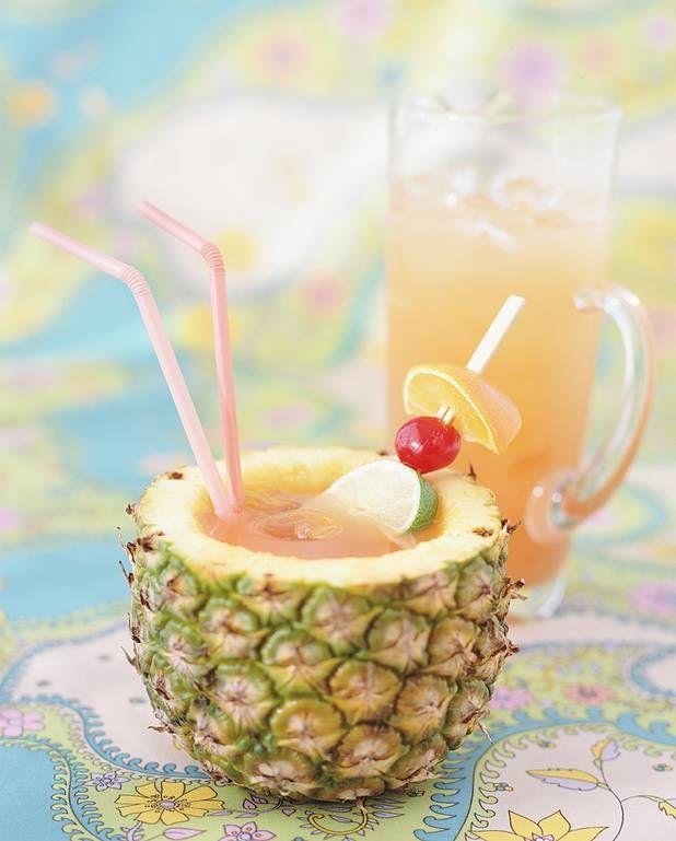Cocktail Acapulco golden au rhum blanc et ananas pour 1 personne - Recettes Elle à TableIngrédients 4 cl de rhum blanc 6 cl de jus d'ananas 6 cl de jus de pamplemousse