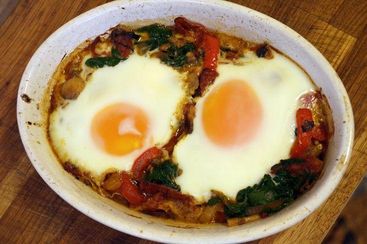 Bakt egg med spinat og Chorizo