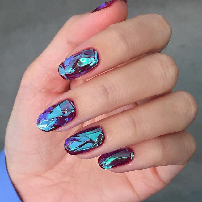 Dieser Trend verwandelt eure Nägel in Diamanten