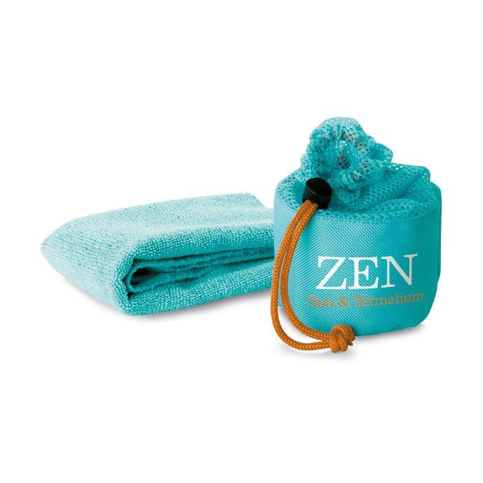 Asciugamano manopola in  poliestere 80% nylon 20% in piccola sacca abbinata  http://www.ibiscusgadget.it/prodotto/mink/