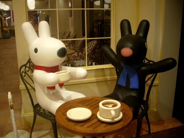 リサとガスパールカフェ。エントランス