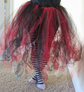 DIY tutu for Queen of Hearts (from Alice in Wonderland) costume.