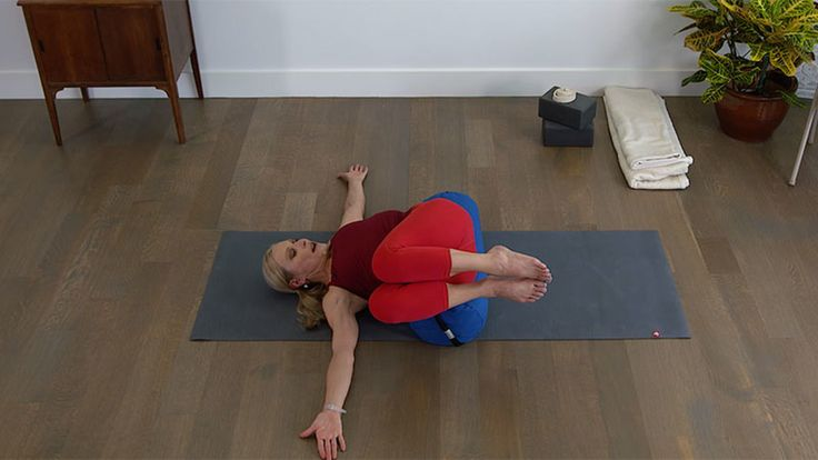Try this surprisingly effective, and challenging, Iyengar-inspired core exercise for endurance and stability, physically and mentally.