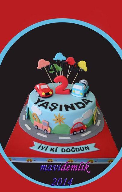 mavi demlik mutfağı- izmir butik pasta kurabiye cupcake tasarım- şeker hamurlu-kur: ATA'NIN 2 YAŞ ARABALI PASTASI