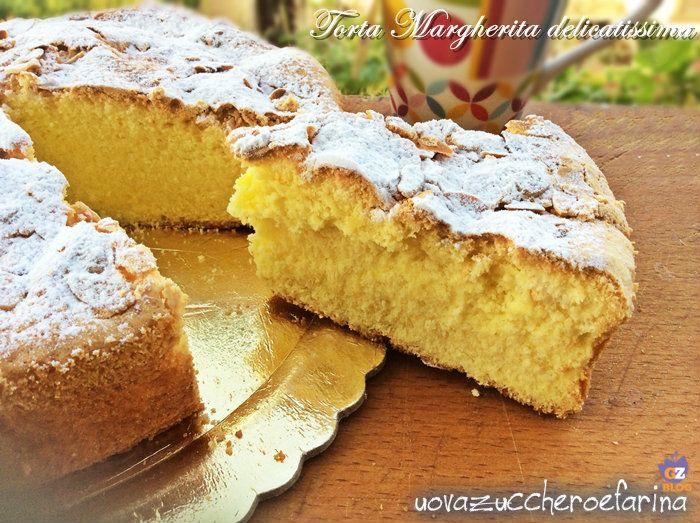 La torta Margherita delicatissima è un dolce semplice, la classica torta adatta per la prima colazione oppure per accompagnare il tè delle cinque.