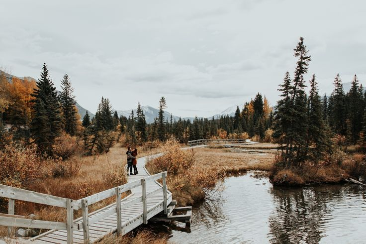 Policeman's boardwalk Canmore engagement photos. This location is perfect in the fall as it has a lot of colour!