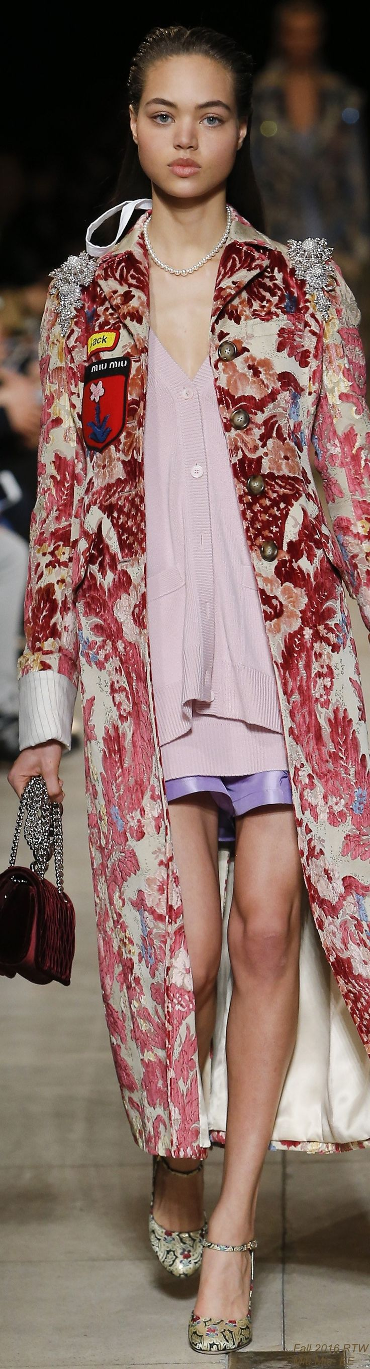 Fall 2016 Ready-to-Wear Miu Miu - EE