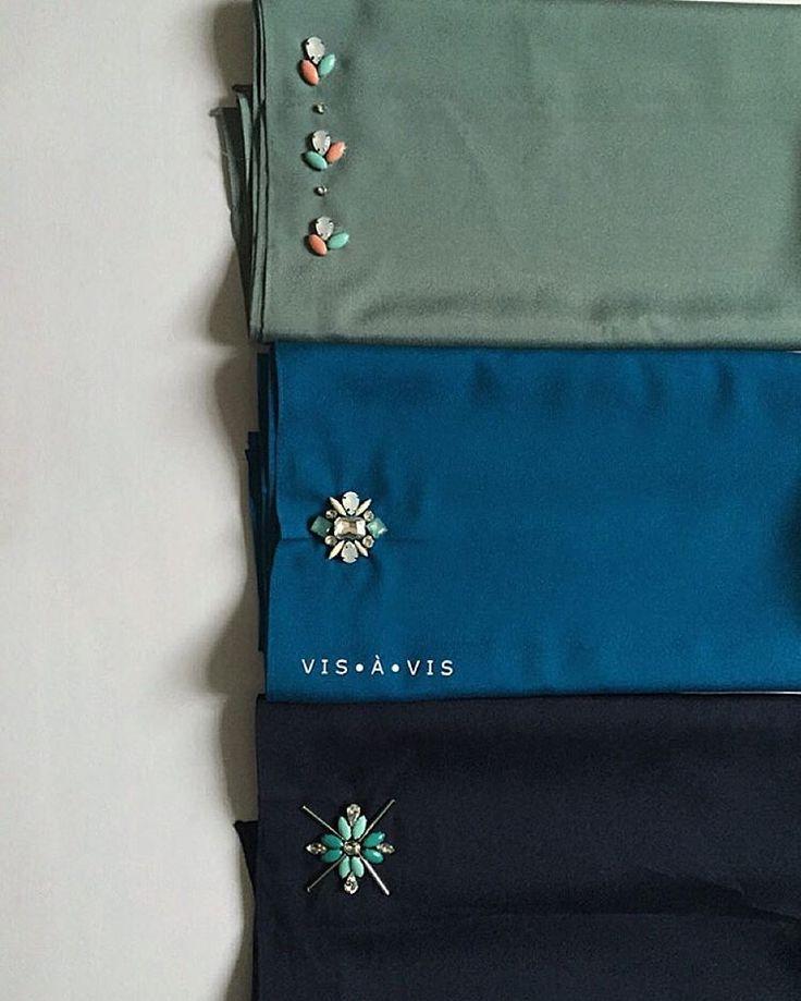 Vis À Vis: Pukal order done - Dusty Green,Teal Blue & Navy Blue.  #beadwork #beading #beadingservice #beadermalaysia #beadedshawl #chunkybeads #sayajahitbeads #sayajahitmanik