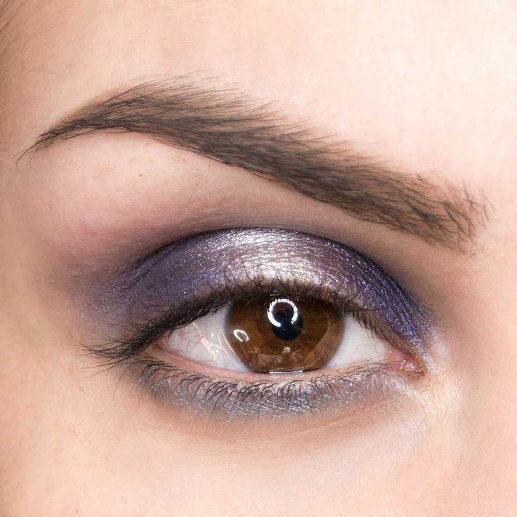 Smokey eyes luminoso: come farlo - Beautydea | Smokey eye ...