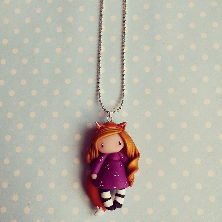 Collier Petite fille renard - blonde en violet : Collier par madame-manon