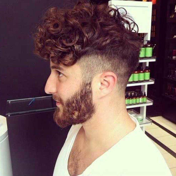 les coupes de cheveux bouclés homme 2017, court sur les cotes et lon au dessous