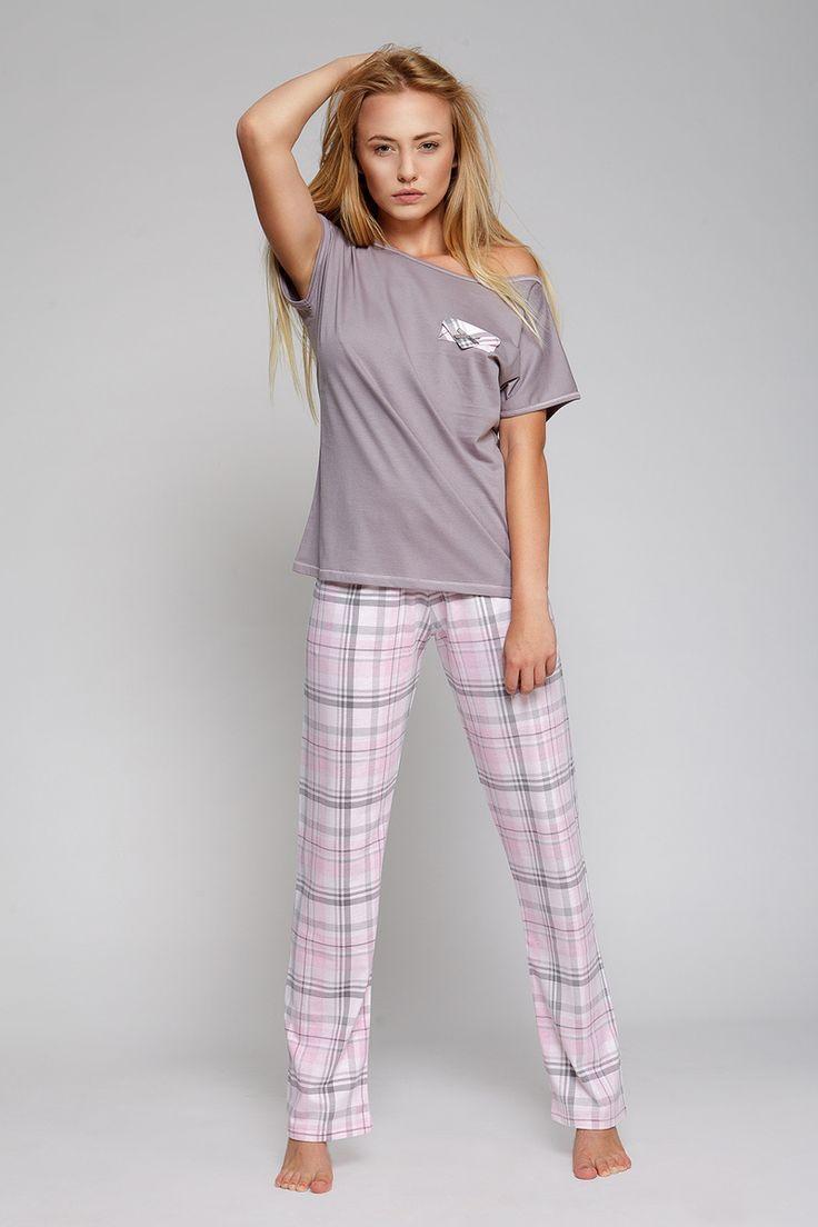 Dámské dlouhé pyžamo #sweetdream #pyjamas #karo #pyzamko #pyzamo #bavlnene #bavlna #krasne #dlouhe #prijemne #kratky #rukav #sede #svetle #ruzove #karo #karovane #kapsa #noc #spanek #sensis #sladke #sny