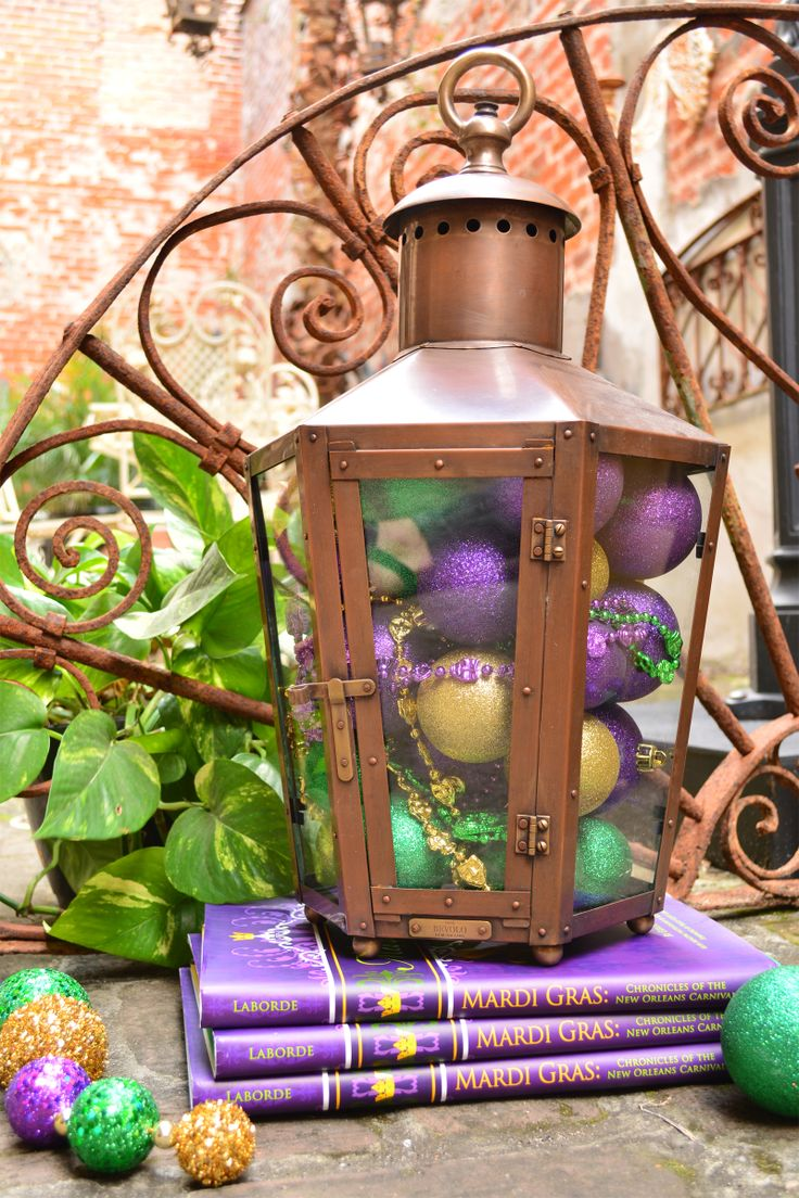 How Do You Decorate Your Pool House Lanterns? Mardi Gras ...