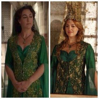 """Magnificent Heritage - Emerald dress (no, do not dare to complain AGAIN about Fatma's tend to """"steal"""" her dress, the whole series was made especially for the purpose of showing you that she is not the biggest """"stealer""""!)"""