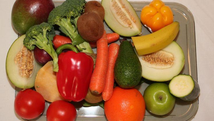 Grønnsaker - Noen skal i kjøleskap, mens andre bør oppbevares i romtemperatur. Og de fleste bør puttes i pose, men ikke alle. - Foto: Tor Risberg / NRK