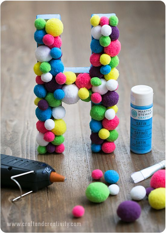 Bokstav med pompoms – Pom pom letter - Craft & Creativity