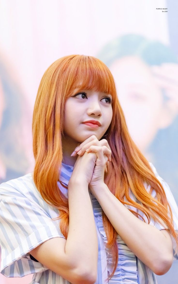 I didn't like her orange hair when pics of it first came out but I love it now, no one can pull it off better than Lalisa